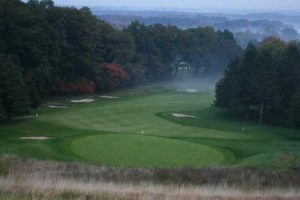 A FAIRWAY WITH A FABULOUS VIEW: LOOKOUT POINT Image